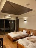 【沖縄・国頭村】自然に囲まれて過ごす贅沢時間|シンプルなつくりの宿泊棟。必要最低限のものは揃っていますの画像